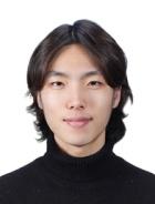 パク先生の顔写真